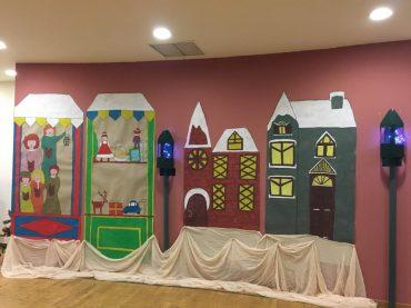 Μια υπέροχη Χριστουγεννιάτικη γιορτή, με τρανούς ηθοποιούς, μας μάγεψε και μας ταξίδεψε στα Χριστούγεννα των παιδικών ονείρων !! Θελουμε να ευχαριστήσουμε τους φούρνους Πανουση και τον φούρνο The Street Bakery για τις υπέροχες γλυκές λιχουδιές που μας προσφέρανε αλλά και τις αλμυρές δημιουργίες από τα Φιλοτεχνήματα!! Ευχαριστούμε μεγάλους και μικρούς για άλλη μια χρονιά που μας γεμίζουν τόσο όμορφες στιγμές!!